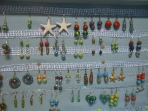 orecchini vari in ceramica