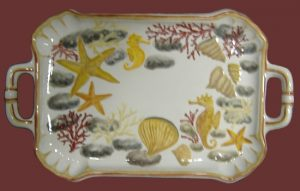 Vassoio marino in ceramica con manici dipinto a mano