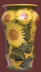 vaso in ceramica con girasoli