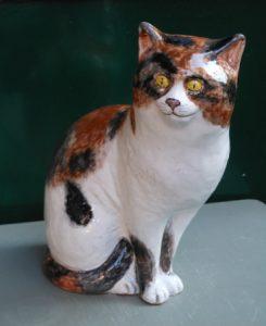 Gatto in ceramica fatto a mano
