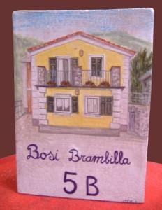 cassetta della posta in ceramica dipinta
