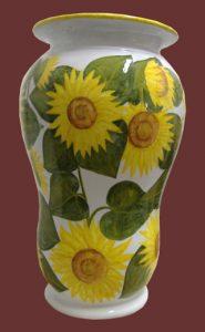 Girasoli dipinti su vaso in maiolica