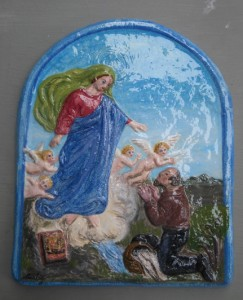 Madonna bassorilievo in ceramica dipinta