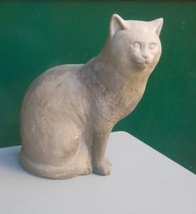 gatto in creta fresco appena creato