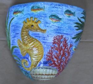 fioriera in ceramica con ippocampo