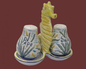 Set sale e pepe in ceramica con ippocampo