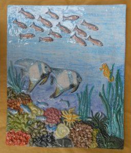 Fondale marino, Rilievo in ceramica