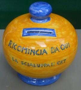 salvadanaio in ceramica dipinto a mano