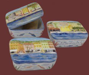 Scatoline in ceramica dipinte con vedute di Santa Margherita Ligure