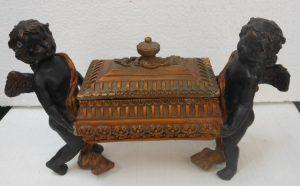 Statuine di angioletti restaurate dalla ditta: Ceramica Artistica Lustig
