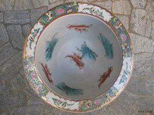 Vaso in cocci restaurato nel laboratorio di ceramica di Santa Margherita Ligure