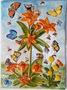 Rilievo fiori e farfalle