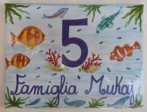 Piastrella indirizzo con pesci