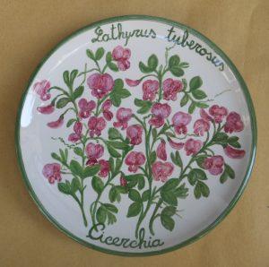 Piatto dipinto a mano con fiori