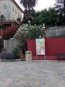 Cartello in ceramica di segnalazione per arredo urbano