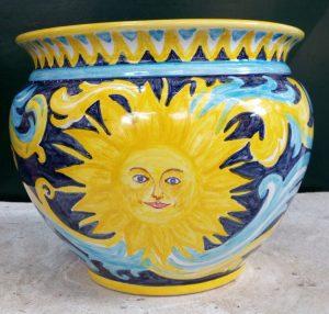 Vaso in ceramica dipinto a mano con sole