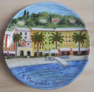Piatto dipinto in ceramica