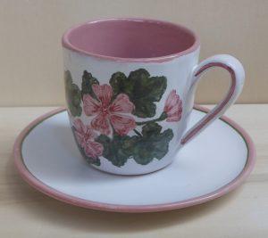 Tazza da tè dipinta con malva