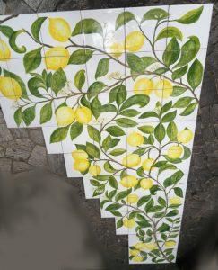 piastrelle rivestimento parete con limoni