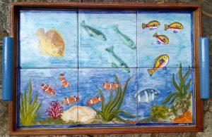 Vassoio di piastrelle con pesci