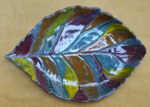 Contenitore a foglia in ceramica