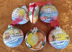 Palline di Natale in ceramica dipinte a mano