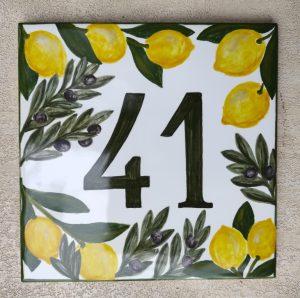 Piastrella numero civico con limoni e ulivo