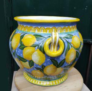 Cachepot con manici dipinto con limoni
