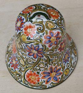 Campana di Pasqua in ceramica dipinta a mano