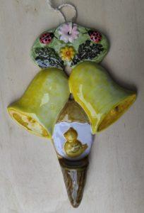 Ceramica di Pasqua con campane