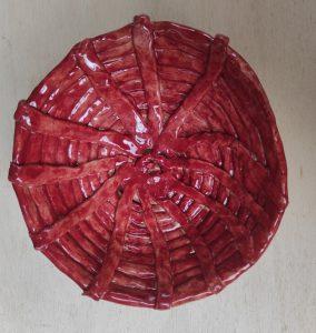 Cestino porta uova di cioccolato rosso in ceramica