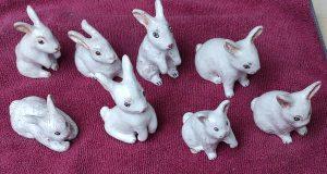 Coniglietti pasquali in ceramica