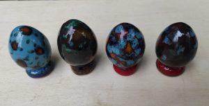 Ovetti in ceramica da collezione