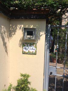 Piastrella decorativa con nomi per ingresso