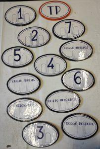 Targhe ovali in ceramica per camere